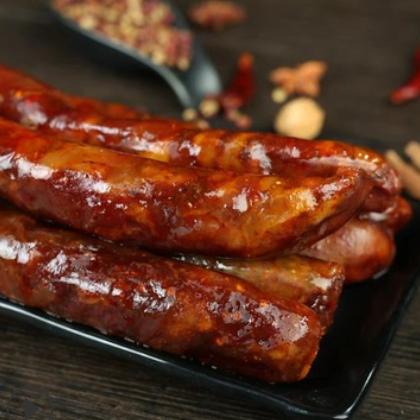 四川特产川味麻辣香肠烟熏腊肠农家自制腊肉猪肉烤肠批发500g